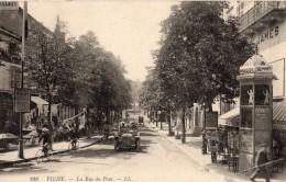 VICHY LA RUE DU PONT VENTE DE CARTES POSTALES KIOSQUE AUTOMOBILE - Vichy