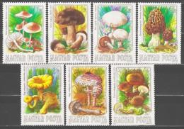 Hungary 1984 Ungarn Mi 3708-3714 Edible Mushrooms / Speisepilze **/MNH - Champignons