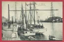 Nantes - Un Coin Du Port - Deux Voiliers ( Voir Verso ) - Nantes