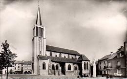 88 CHARMES  L'Eglise Et La Place De L'Epée - Charmes