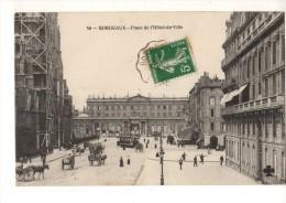 C P A ----33---BORDEAUX--- PLACE DE L'HOTEL DE VILLE (voir 2 Scans) - Bordeaux