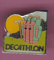 44128-Pin's. Decathlon.Alpinisme.. - Alpinisme