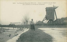 BE DIXMUDE / Zouave En Faction Sur Une Digue / - Diksmuide