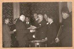 CARTE PHOTO - Maréchal Pétain Avec Le Président De La Chambre Des Métiers De NIMES, 8.4.1943 - WW2 - Pétain - MILITARIA - Nîmes