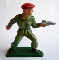 SOLDAT FIGURINE FIG STARLUX 1958  PARA SERVANT BAZOOKA 5062 1 - Starlux