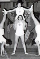 54Cu   Photo Gymnastique Feminine Années 60 - Gymnastics