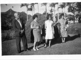 54Cu  Photo Ile Maurice Chez Le Gouverneur En 1963 (voir Texte Au Verso) - Mauritius
