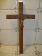 CHRIST CROIX CRUCIFIX A ACCROCHER 26 Cm - Autres