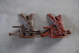 2 Tote Bäume Baumstümpfe Einer Gemarkt BRITAINS LTD 1971 Rotbraun Und Braun - Action- Und Spielfiguren