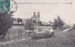 27 MANTES LA JOLIE                                      Notre Dame A Travers Les Arbres - Mantes La Jolie