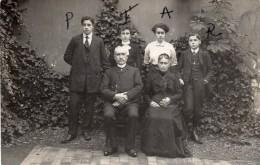 CPA -  CARTE PHOTO  -  Photo De Famille  -  Montargis Le 14 Novembre 1911 - Montargis