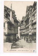 CPA (67) STRASBOURG -Rue Des Bains Des Plantes ,animé. (001) - Strasbourg