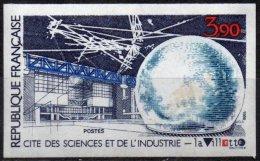 FRANCE - Cité Des Sciences Et De L'Industrie à La Vilette - Quelques Adhérences Au Verso - France