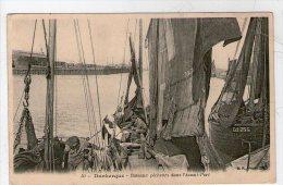 DUNKERQUE. BATEAUX PECHEURS DANS  L´AVANT PORT - Dunkerque
