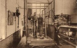 INDUSTRIE - Le Charbonnage - Machinistes Aux Fers Pendant La Translation Du Personnel. - Industry