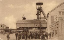 INDUSTRIES - Le Charbonnage - Sur Le Carreau De La Mine. - Industry