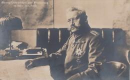 AK Generalfeldmarschall Von Hindenburg Anseinem Arbeitsplatz Nicht Gelaufen S/w - Personen