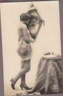 Femme Tenue érotique Nuisette, Bas Et Miroir... - Nus Adultes (< 1960)