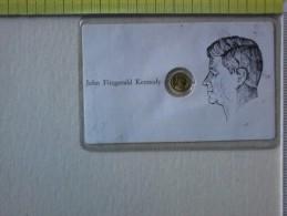 Sheda Con Medaglietta Di John F. Kennedy. - Pin's