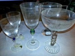 Série De 5 Verres, Moderne Des Année 90-2000, En Tres Bon Etat - Glas & Kristall