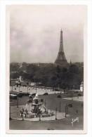 CPSM - 75 - PARIS... EN FLANANT - La Place De La Concorde Et La Tour Eiffel - Circulé 1948 Pour London - Places, Squares