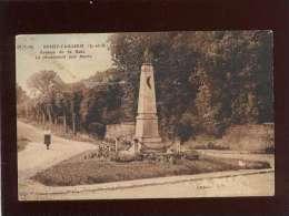 95 Boissy L'aillerie Avenue De La Gare Le Monument Aux Morts édit. Lecreux ? 39-7-46 , Voir état - Boissy-l'Aillerie