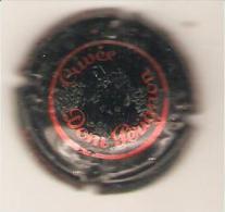 CAPSULE MUSELET CHAMPAGNE  DOM  PERIGNON  (rouge Sur Noir)(quelques Defauts Photo Contractuelle ) - Moet Et Chandon