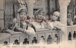 ALGERIE  - 3 Jeunes Femmes -  Jeunes Musulmanes - 2 Scans - Scenes
