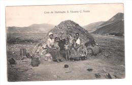 Cape Verde Casa De Habitacao S.Vicente Cabo Verde PLAIN BACK POSTCARD ETHNIC PEOPLE BY RUBBISH DUMP ? - Cape Verde