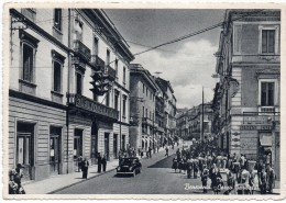 Campania-benevento Corso Garibaldi Veduta Banco Di Napoli Animatissima (gr.-b.n.-v.gg.) - Benevento