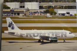 AIRBUS A 319     FRONTIER   N939FR - 1946-....: Moderne