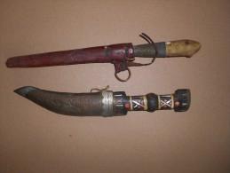 Deux Ancien Couteaux Arabe Maghreb Oriental Berbère - Armes Blanches