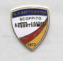 Pq1 S.P. Amitermina Scoppito Calcio Pin Soccer Italy FootBall Pins Aquila - Calcio