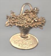 PINS PIN'S ARBRE NATURE VERDURE FLEUR BOUQUET 35 X 32 MMS EN RELIEF PIGNON HORTICULTURE - Pin's