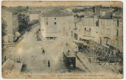 Montferrand  213 La Grande Place Tram Tramway Pub Petrole Luciline  Etat Moyen - Otros Municipios