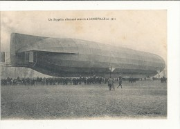 UN ZEPPELIN ALLEMAND ATTERRIT A LUNEVILLE EN 1911 CPA BON ETAT - Aeronaves