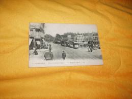 CARTE POSTALE ANCIENNE CIRCULEE DE 1920. / DUNKERQUE.- PLACE DE LA REPUBLIQUE. - Dunkerque