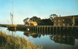 Postcard - River Alde At Snape Quay, Suffolk. FWP117 - Angleterre