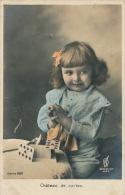 """ENFANTS - LITTLE GIRL - MAEDCHEN - Jolie Carte Fantaisie Portrait Fillette """" Château De Cartes """" - Portretten"""
