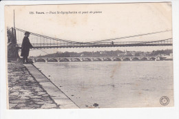 TOURS  (37-Indre Et Loire), Pont St Symphorien Et Pont De Pierre, Enfant Pêcheur, Ed.Grand Bazar . - Tours