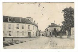 VAL  D' OISE  /  VIARMES  /  LA  RUE  DE  PARIS  /  Edit.  FREMONT  /  A Voyagé En 1905  ( Timbre-taxe Au Dos )