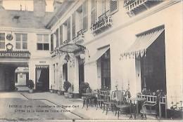 EVREUX - Hostellerie Du Grand Cerf, Entrée De La Salle De Table-d'Hôte - Evreux