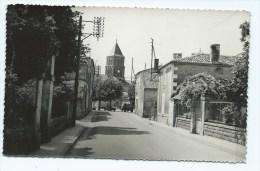 CPSM ST SAINT HILAIRE DES LOGES, RUE DE FOUSSAIS, Format 9 Cm Sur 14 Cm Environ, VENDEE 85 - Saint Hilaire Des Loges