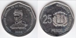 **** REPUBLIQUE DOMINICAINE - DOMINICAN REPUBLIC - 25 PESOS 2005 - HEROE DE LA RESTAURACION *** EN ACHAT IMMEDIAT !!! - Dominicaine