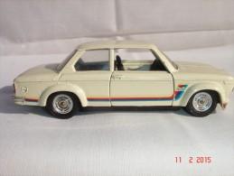 "Voiture Solido BMW 2002 ""Turbo"" - Made In France - 1/43  N°28  10-75 - Portes Ouvrantes, Sièges Rabatables, Très Bon éta - Other"