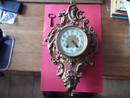 HORLOGE   Trés    Ancienne - Clocks