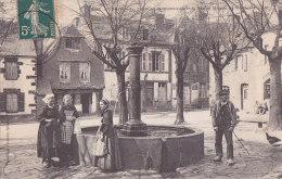 Ar - Cpa GOURIN - La Fontaine Monumentale Et La Vieille Maison De La Place Plantée - Gourin