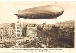 Barcelona. Zeppelin Sobrevolando La Plaza De Cataluña - Barcelona
