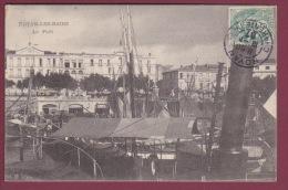 17 - 050515 - ROYAN LES BAINS - Le Port - Bateau  Marché Aux Poissons Barque à Voile - Royan