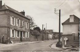 CPSM 60 SAINT OMER EN CHAUSSEE Rue Du Générale Leclerc Commerce Café à L'Habitude 1966 - France